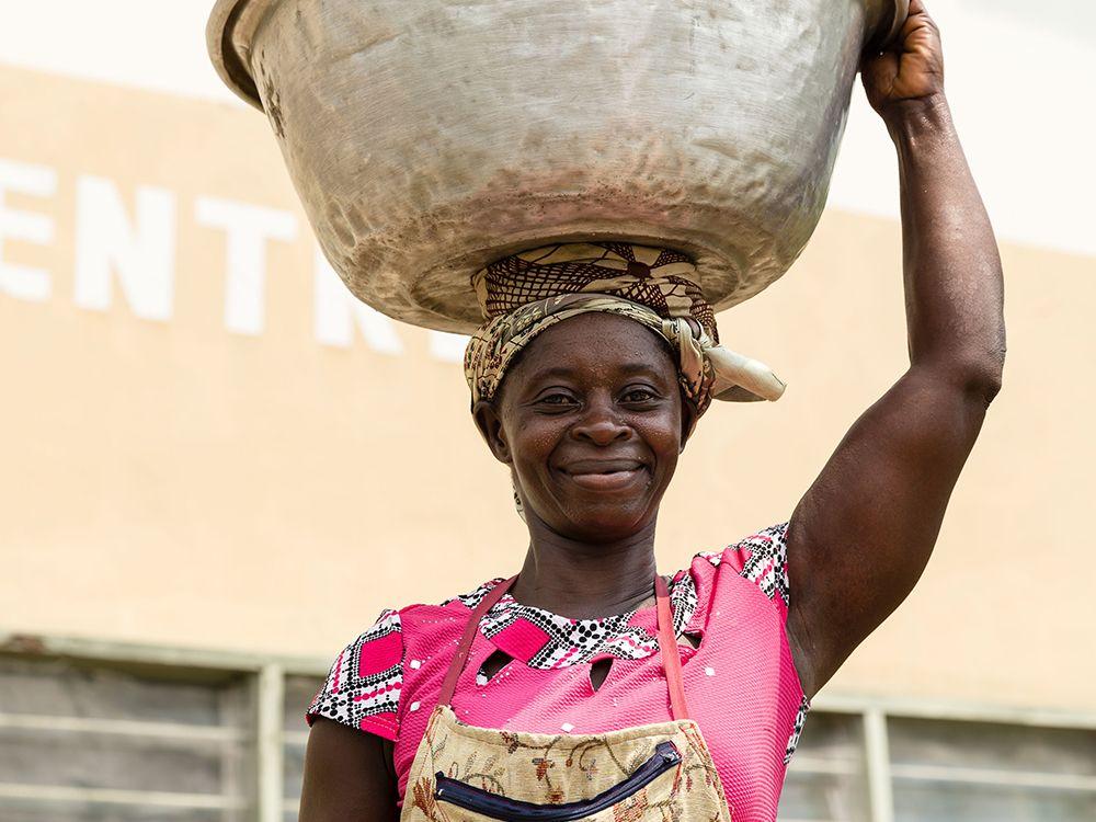 Mujer Dia Mundial de Africa Anesvad